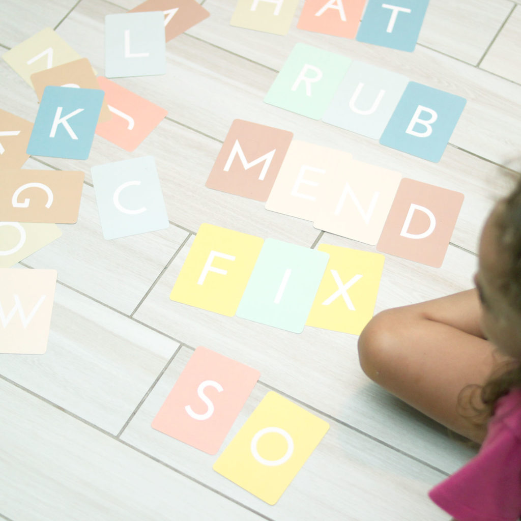 flash cards for pre-k or kindergarten - spelling games for little learners and early literacy