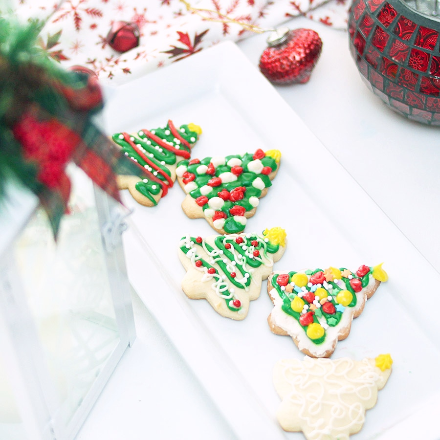 Sugar cookies cut out christmas trees frosting recipe
