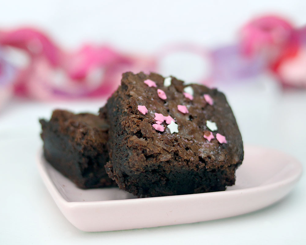 Fudgy chocolate chunk homemade brownie recipe
